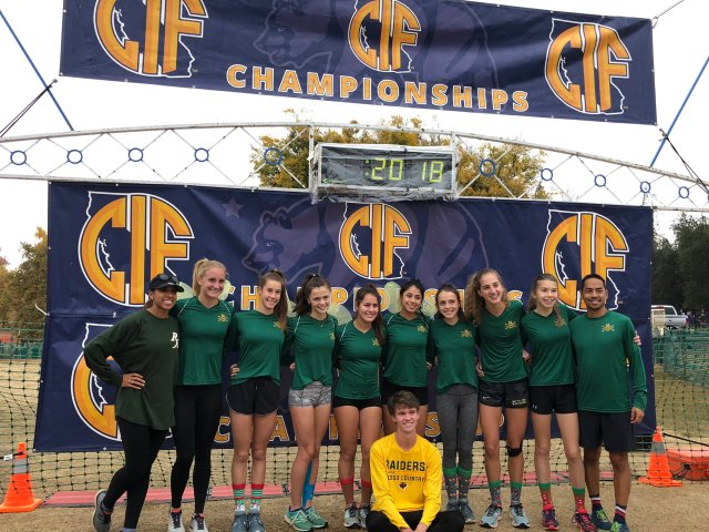 The 2018 Varsity Girls Team and Senior Connor Ettinger representing Rio at the 2018 CIF State Meet.